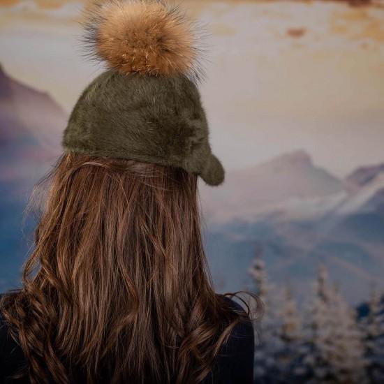 Зелена дамска ангора шапка с козирка с помпон енот