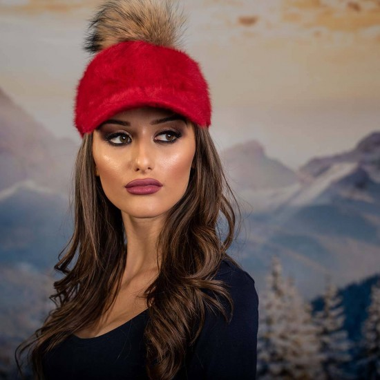 Червена дамска ангора шапка с козирка с помпон енот
