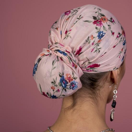 Дамски тюрбан в розово на цветя