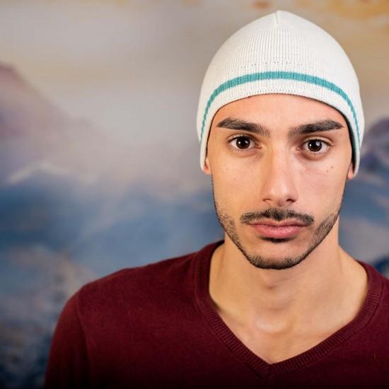 Бяла мъжка шапка