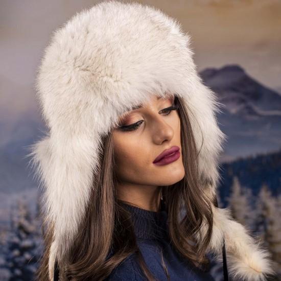 Зимна дамска шапка косъм енот