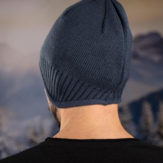 Мъжка зимна шапка с полар в синьо