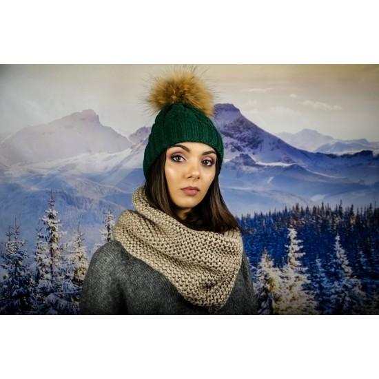 Дамски светлокафяв зимен шал тип яка