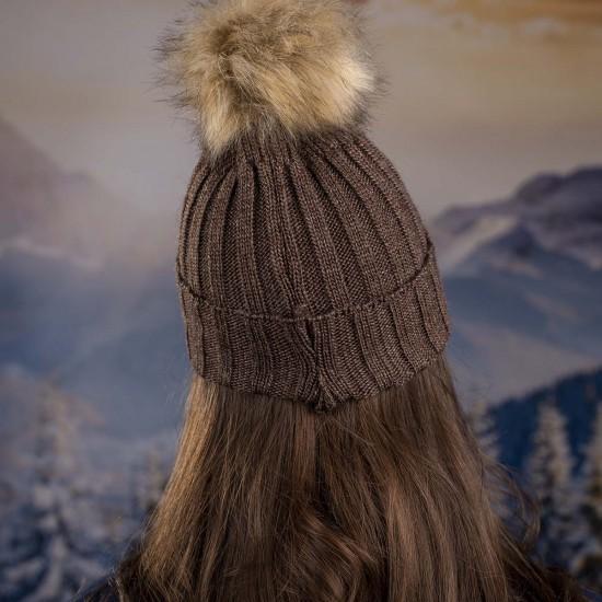 Дамска кафява плетена зимна шапка