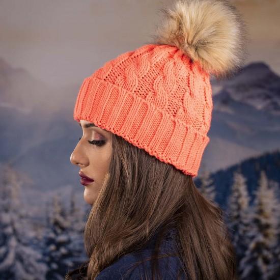 Дамска зимна шапка оранжева