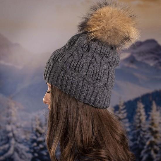 Тъмносива дамска зимна шапка естествен пух