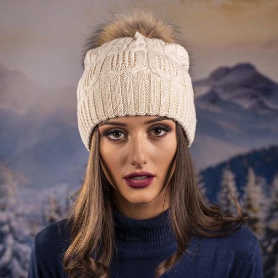 Дамска зимна шапка екрю естествен пух
