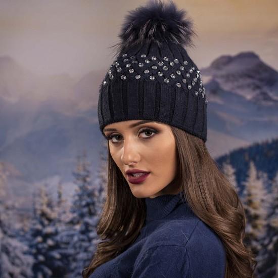 Тъмносиня дамска зимна шапка с камъчета