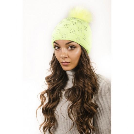 Плетена дамска зимна шапка светлозелена с камъчета
