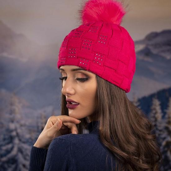 Плетена дамска зимна шапка циклама с камъчета