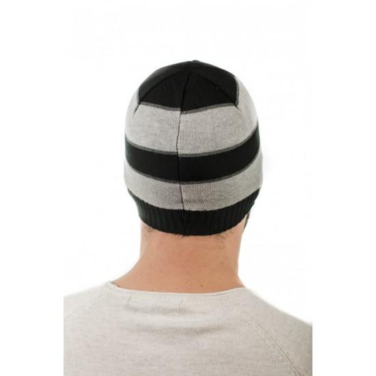 Раирана мъжка зимна шапка
