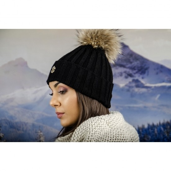 Дамска черна плетена шапка