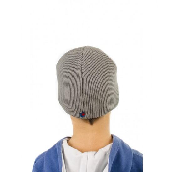 Сива детска шапка с апликация