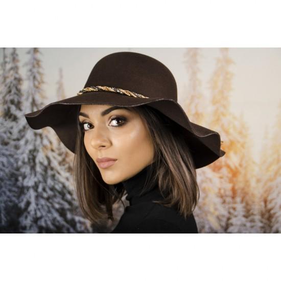 Кафява дамска филцова шапка
