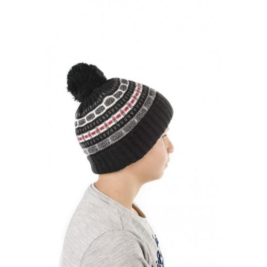 Детска зимна шапка с помпон в черно