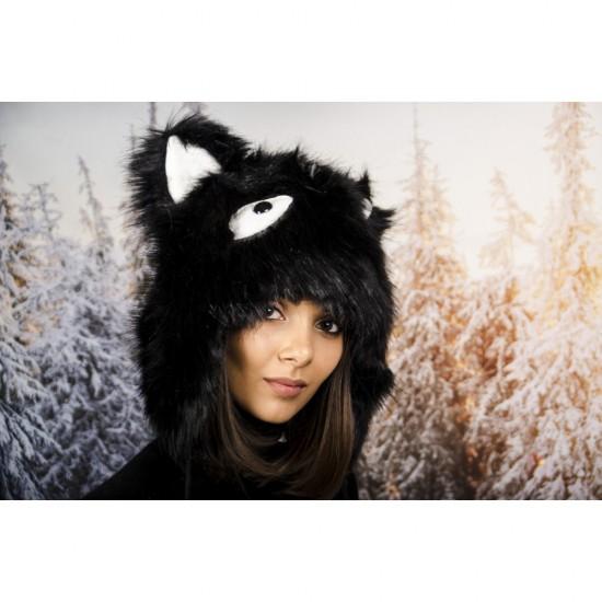 Черна зимна шапка анимал
