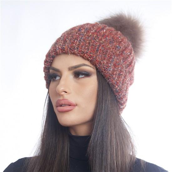 Дамска зимна шарена шапка с еко пух