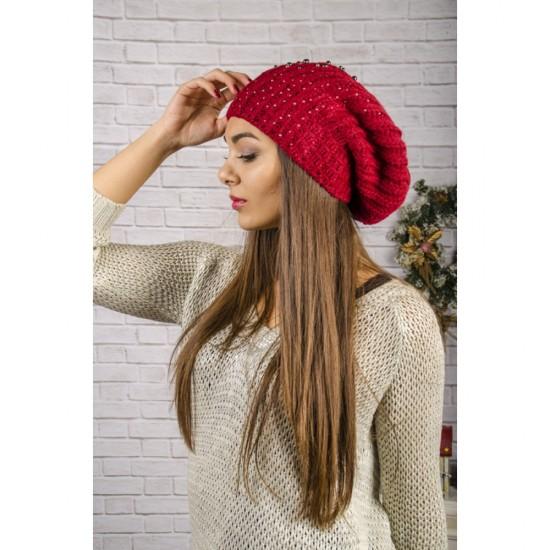 Дамска увиснала зимна шапка в червено
